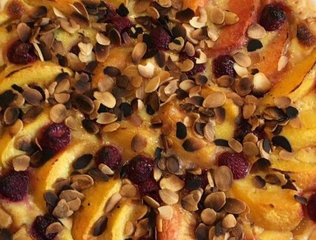 panier des brunettes - La tarte pêche-framboise